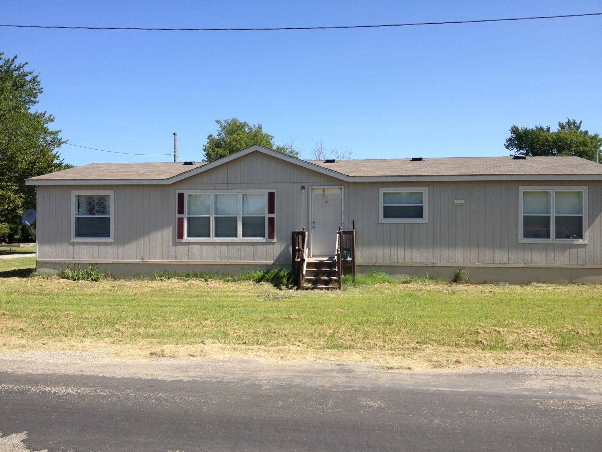 Mobile home for rent front view